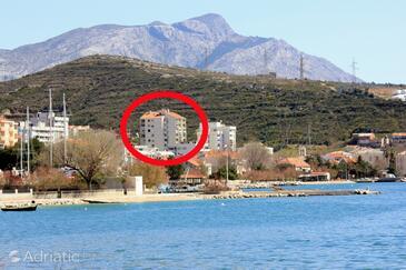 Dugi Rat, Omiš, Property 8666 - Apartments with pebble beach.