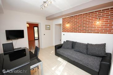 Dugi Rat, Living room in the apartment, WIFI.