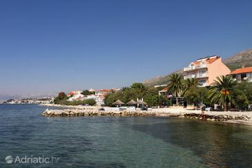 Podstrana, Split, Property 8677 - Apartments near sea with pebble beach.