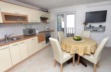Trogir, Sufragerie în unitate de cazare tip apartment, WiFi.