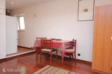Cavtat, Dining room in the studio-apartment, WIFI.