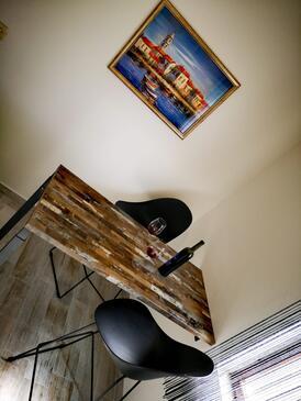 Ivan Dolac, Jídelna v ubytování typu apartment, s klimatizací, domácí mazlíčci povoleni a WiFi.