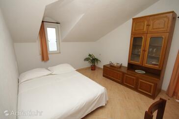 Tvrdni Dolac, Obývací pokoj v ubytování typu apartment.