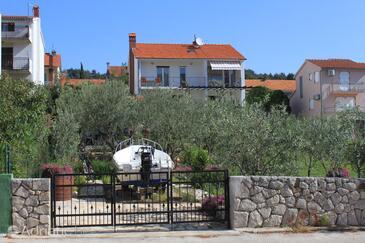 Stari Grad, Hvar, Property 8708 - Apartments with pebble beach.