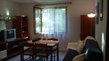 Zavala, Eetkamer in the apartment, air condition available, (pet friendly) en WiFi.