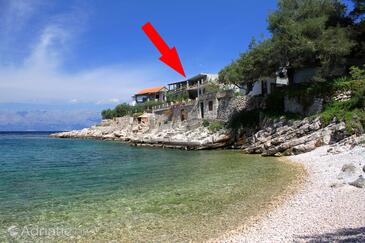 Uvala Zaraće, Hvar, Property 8712 - Apartments near sea with pebble beach.