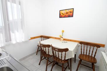 Hvar, Salle à manger dans l'hébergement en type apartment, WiFi.