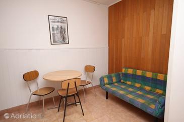 Hvar, Dining room in the apartment, dopusteni kucni ljubimci.