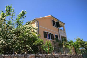 Vrbanj, Hvar, Property 8735 - Apartments with pebble beach.
