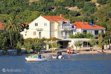 Slano, Dubrovnik, Объект 8737 - Апартаменты и комнаты вблизи моря с галечным пляжем.