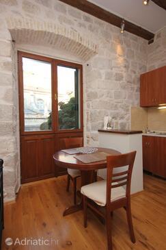 Dubrovnik, Dining room in the studio-apartment, dopusteni kucni ljubimci i WIFI.