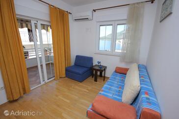 Drašnice, Living room in the apartment, dostupna klima i WIFI.