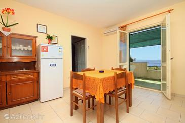 Zavala, Dining room in the apartment, air condition available, (pet friendly) and WiFi.