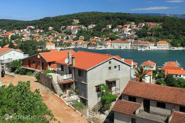 Jelsa, Hvar, Property 8746 - Apartments with pebble beach.