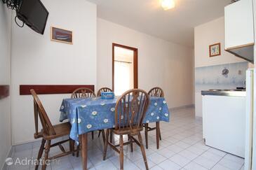 Vrboska, Dining room in the apartment.