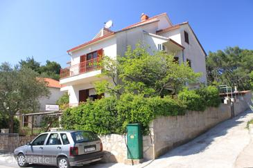 Vrboska, Hvar, Property 8748 - Apartments near sea with rocky beach.