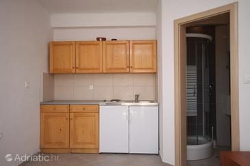Basina, Cocina in the studio-apartment, (pet friendly).