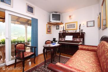 Jelsa, Living room 1 in the apartment, dostupna klima.