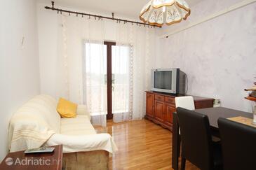 Hvar, Living room in the apartment, dopusteni kucni ljubimci.