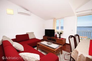 Zavala, Living room in the apartment, dostupna klima i WIFI.