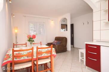 Zavala, Jídelna v ubytování typu apartment, domácí mazlíčci povoleni.