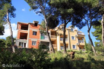 Jelsa, Hvar, Property 8777 - Apartments in Croatia.