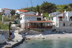 Apartments by the sea Baai Zarace (Dubovica), Hvar - 8778