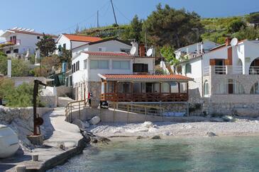 Zaraće (Dubovica), Hvar, Propiedad 8778 - Apartamentos near sea with pebble beach.