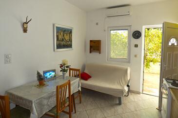 Ivan Dolac, Dining room in the apartment, dostupna klima i dopusteni kucni ljubimci.