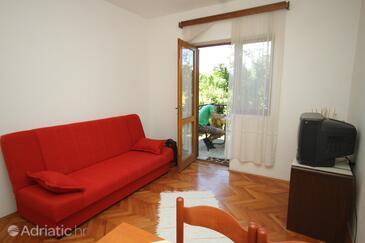 Jelsa, Obývací pokoj v ubytování typu apartment, domácí mazlíčci povoleni a WiFi.