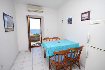 Ivan Dolac, Salle à manger dans l'hébergement en type apartment, climatisation disponible et animaux acceptés.