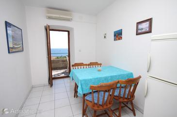 Ivan Dolac, Dining room in the apartment, air condition available, (pet friendly) and WiFi.