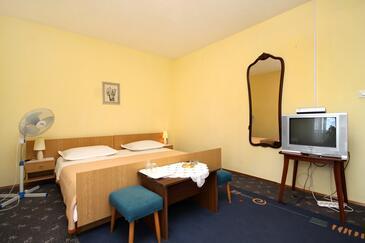 Jelsa, Spalnica v nastanitvi vrste room, dostopna klima, Hišni ljubljenčki dovoljeni in WiFi.