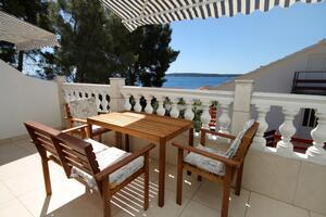 Apartments by the sea Zavala (Hvar) - 8799