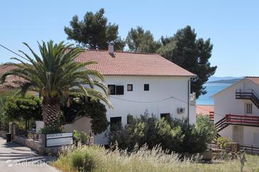 Zavala, Hvar, Property 8799 - Apartments near sea with pebble beach.