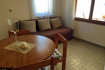 Sali, Obývací pokoj v ubytování typu apartment, s klimatizací a WiFi.