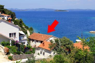 Sali, Dugi otok, Property 880 - Apartments by the sea.