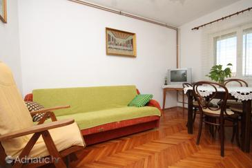 Zavala, Dining room in the apartment, (pet friendly) and WiFi.