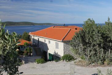 Zavala, Hvar, Propiedad 8802 - Apartamentos with pebble beach.
