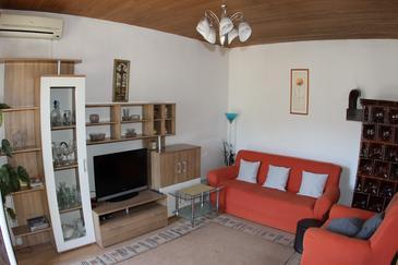 Jelsa, Living room in the apartment, dostupna klima, dopusteni kucni ljubimci i WIFI.