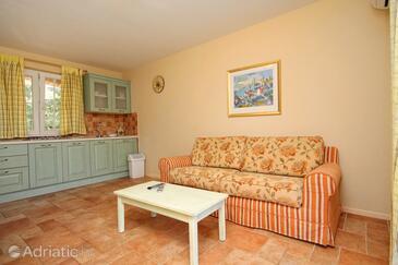 Rosohotnica, Living room in the apartment, dostupna klima i dopusteni kucni ljubimci.