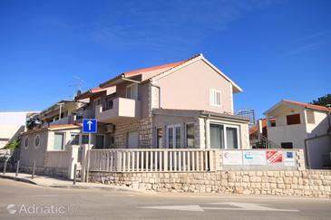 Hvar, Hvar, Property 8810 - Apartments with pebble beach.
