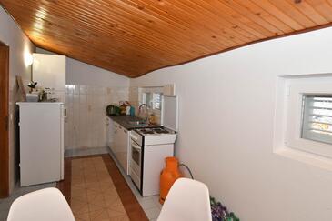 Duboka, Kuchyně v ubytování typu apartment.