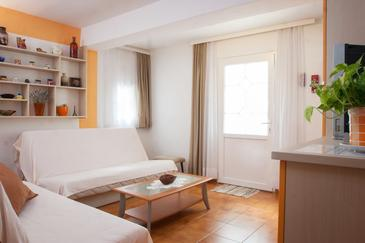 Makarska, Obývacia izba v ubytovacej jednotke apartment, dostupna klima, dopusteni kucni ljubimci i WIFI.