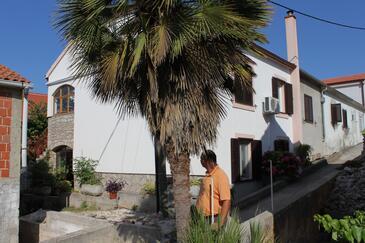 Sali, Dugi otok, Property 882 - Apartments in Croatia.