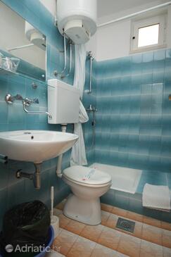 Bathroom    - S-8832-d