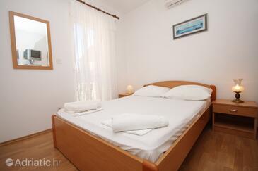 Bedroom    - S-8832-d