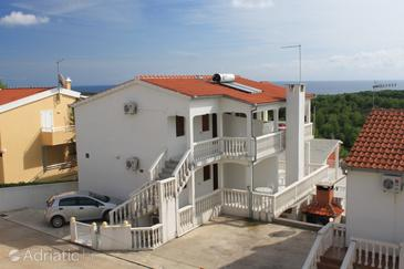 Rukavac, Vis, Property 8837 - Apartments with pebble beach.