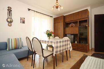 Rukavac, Dining room in the apartment, (pet friendly) and WiFi.