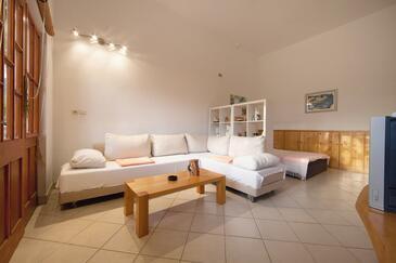 Komiža, Гостиная в размещении типа studio-apartment, доступный кондиционер и WiFi.